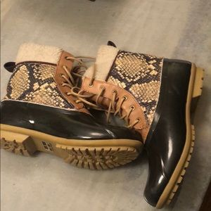 Sam Edelman Caldwell snakeskin rain boots SZ 9
